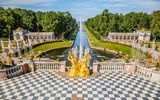 Peterhof in St. Petersburg © sborisov